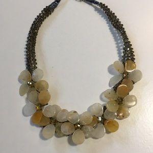 7/$15 flower necklace boxK